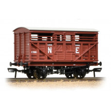 37-706A - 12 Ton LMS Cattle Wagon NE Brown - Regular -27.79