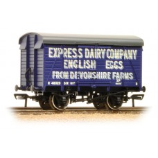 Branch-Line 38-072 - 12 Ton Southern Planked Ventilated Van 'Express Dairies Eggs'