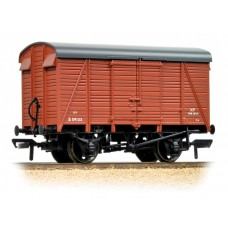 Branch-Line 38-082C - 12 Ton Southern 2+2 Planked Ventilated Van BR(S) Bauxite