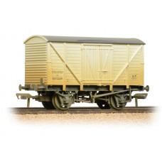 38-191C - 10 Ton BR Insulated Van White Weathered - Regular -31.79