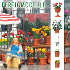 1230 - Planted Flowerpots & Pail
