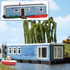 1439 - Houseboat blue
