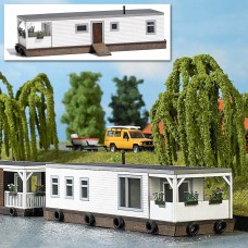 1441 - Houseboat white