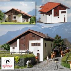 1442 - Heidi's 2-Story House