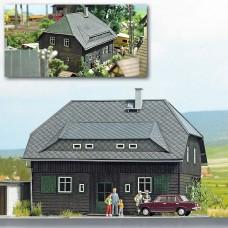 1445 - Village House