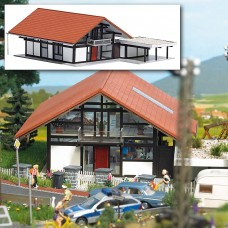 1446 - House w/Carport Red/Brown