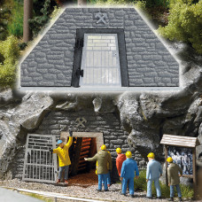 1472 - Mine Entrance f/Miners