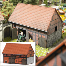 1506 - Barn w/Small Stable