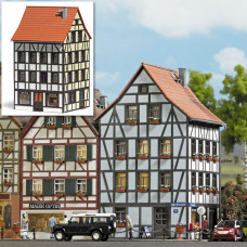 1536 - Old Town Angular Building