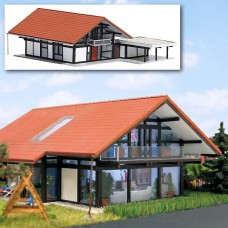 8246 - House w/Carport Brown/Red