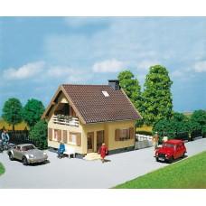 Faller 130205 1.5 Story Stucco House
