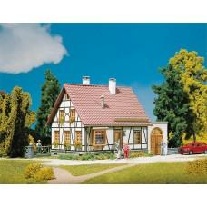Faller 130215 Timb house w/garage