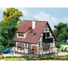 Faller 130257 One family house w/trim