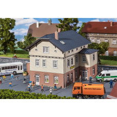 Faller 130457 Town Hall w/School
