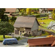 Faller 130557 Barn w/Access To Upper Fl