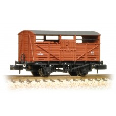 Graham Farish  373-260C - 8 Ton Cattle Wagon BR Bauxite (Early)