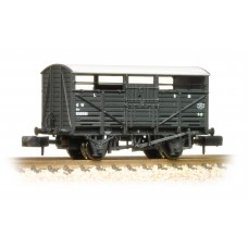 Graham Farish  373-261B - 8 Ton Cattle Wagon GWR Dark Grey