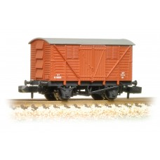 Graham Farish  373-741A - 10 Ton BR Meat Van BR Bauxite (Early)