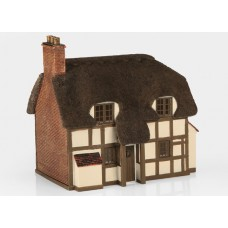 Graham Farish  42-0019 - Thatched Cottage