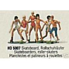 Merten 5007 Skateboarder/rllrsktr  6/ HO Scale