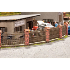 Noch  14235 - Fence w/Brick Columns