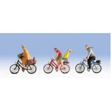 Noch  45898 - Cyclists