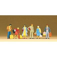 Preiser 10114 - Waiting passengers     6/