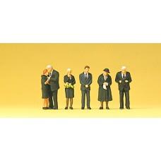 Preiser 10521 - Funeral Attendants 6/