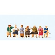Preiser 10580 - Seated Women Waiting 7/