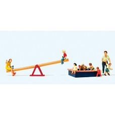 Preiser 10587 - Children at Play 8/