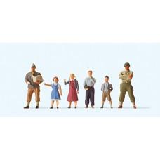 Preiser 10613 - US Soldiers w/Children