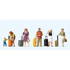 Preiser 10641 - Standing Travelers w/Lugg