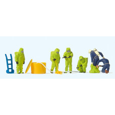 Preiser 10731 - Firemen/Green Chem Suits