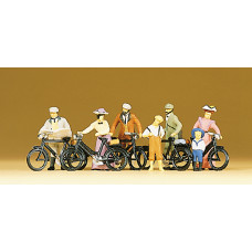 Preiser 12129 - 1900's cyclists standing