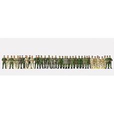 Preiser 16543 - German Soldiers Wlkng 39/
