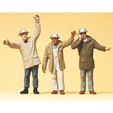 Preiser 63052 - Men In Hardhats Wvng Arms
