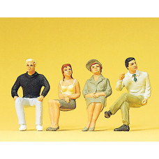 Preiser 63074 - Seated people 1:32