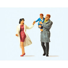 Preiser 63096 - Couple w/Child 3/