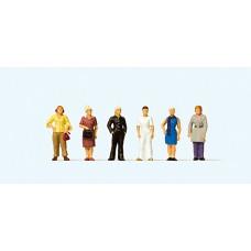 Preiser 74013 - Standing Women 1:100 6/