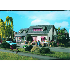 Vollmer 43723 - House w/photo shop kit