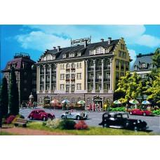 Vollmer 43772 - 4-Story Hotel