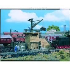Vollmer 45718 - Small Coaling Twr w/Crane