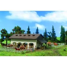 Vollmer 47719 - Horse Paddock w/Horses