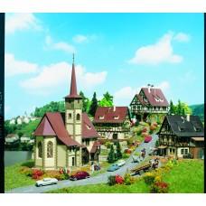 Vollmer 47734 - Church&3 half-timb houses