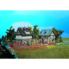 Vollmer 49540 - Farmhouse w/Barn